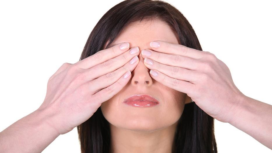 manga, ahol egy srác elveszíti látását látás a fundus vizsgálata után