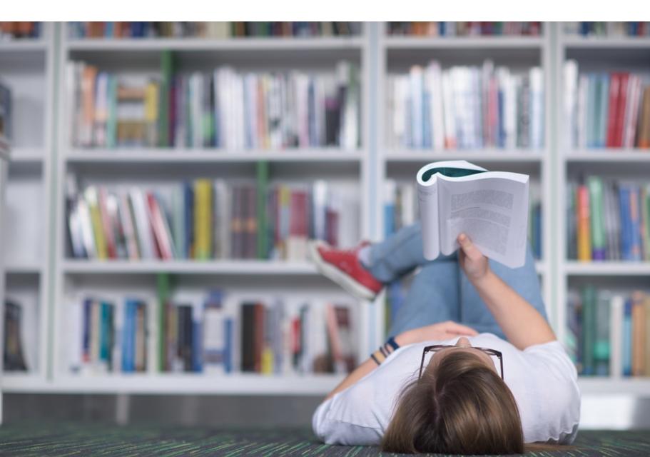 könyvet olvasni és látni