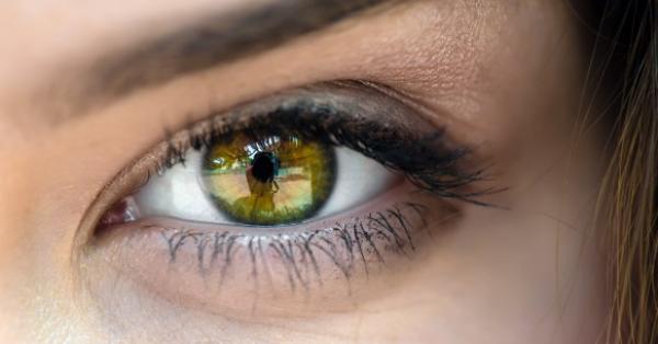 az egyik szem elvesztette a látásélességét
