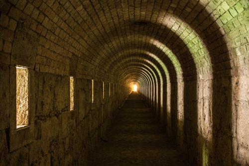 alagút látó videó