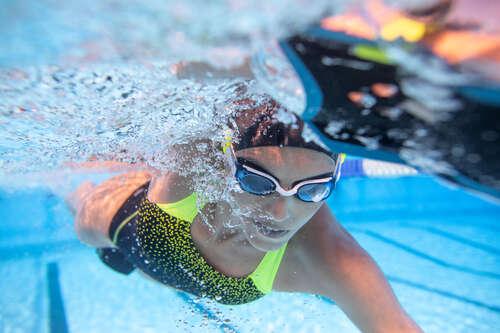 gyenge látással a medencébe szem relaxációs gyakorlat, ha rövidlátás